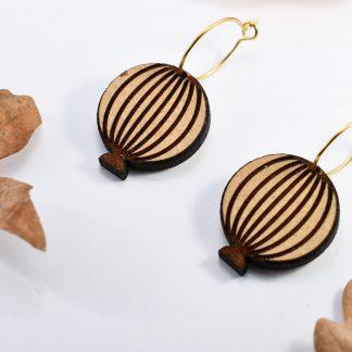 pompom - boucles d' oreille en bois - bijoux ecoresponsable - madeinauvergne - madeinfrance - maisonzephyre - bijoux en bois