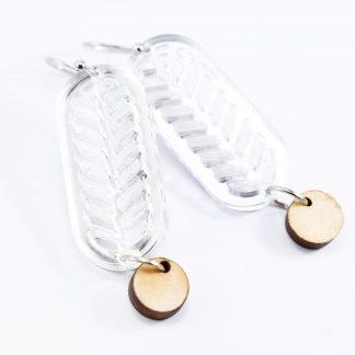boucles d'oreille art déco - bijoux écoresponsables -bijoux recyclés- bijoux plexiglas recyclé- made in France - maison zéphyre - bijoux graphiques - bijoux poétiques - bijoux recyclés - bijoux fait main - artisanat français - bijoux contemporains - bijoux minimalistes - Bijoux géométrique- bijoux chics et élégants -